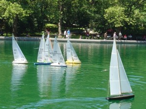 036_18_central_park_sailboat_races1